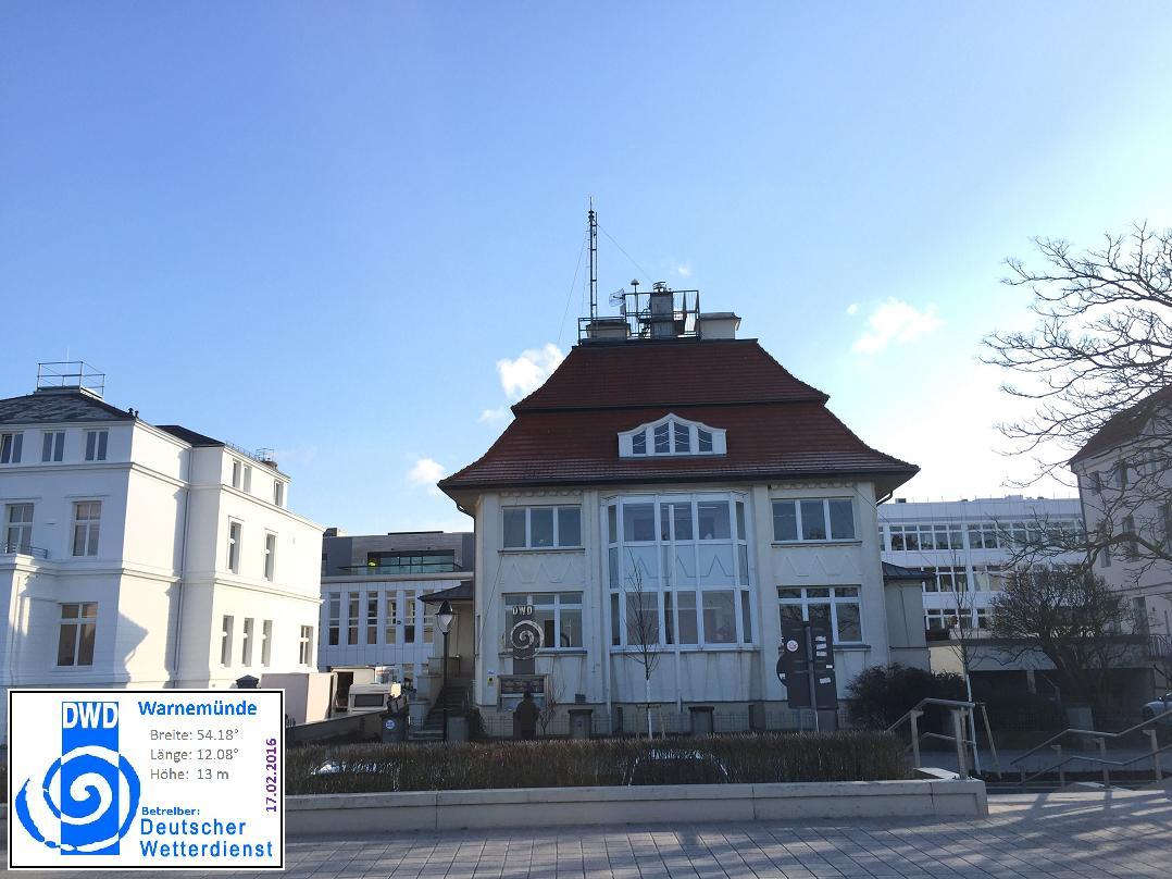 http://www.wetterdiagramme.de/wetterstationen/WMO-D/10170Warnemunde1.jpg