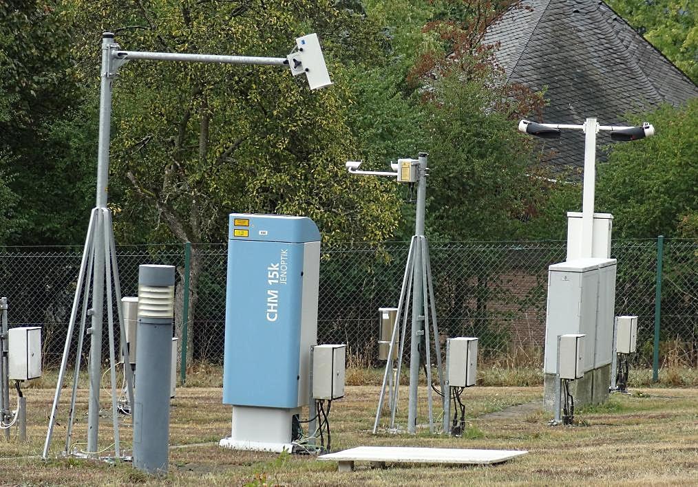 http://www.wetterdiagramme.de/wetterstationen/WMO-D/10609_TRIER_12.JPG